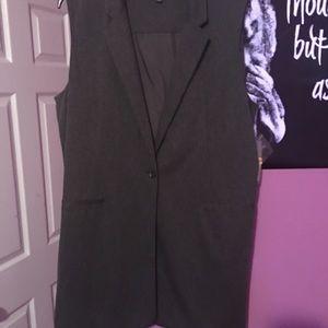 NWT Apt 9 long sleeveless blazer vest, gray